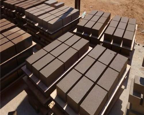 pondeuse-brique-parpaing-prix-machine parpaing-brique-bordures