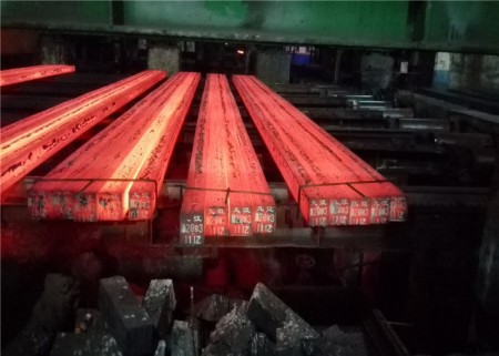 the-steel-billet-la-billette-d-acier